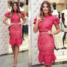 Ver esta foto do Instagram de @danielaklaus • 789 curtidas Pink Dress, New Dress, Lace Dress, Estilo Glam, Stylish Dresses, Fashion Dresses, Girly Girl Outfits, Honeymoon Outfits, Bodies