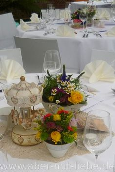 Tischdeko, Tischgesteck, Hochzeitsdeko in pink, weiß und grün ...