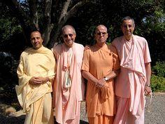 Radhanatha swami, Giriraj swami, Bhakti Bringa Govinda swami, Niranjana swami