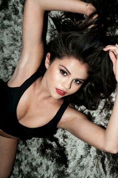 Selena Gomez by Jake Bailey Photoshoot - Daily Actress Selena Gomez Photoshoot, Selena Gomez Fashion, Selena Gomez Fotos, Style Selena Gomez, Selena Gomez Pictures, Selena Gomex, Selena Gomez Bikini, Alex Russo, Beautiful Celebrities