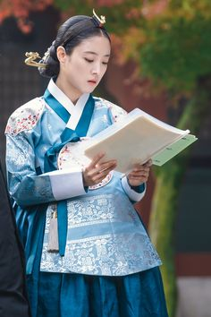 Korean Traditional Dress, Traditional Dresses, Secret Garden Korean, Kdrama, Drama Tv Shows, Modern Hanbok, Chinese Culture, Historical Clothing, Korean Fashion