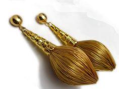Brinco Capim Dourado Formato Cone Inspirartz