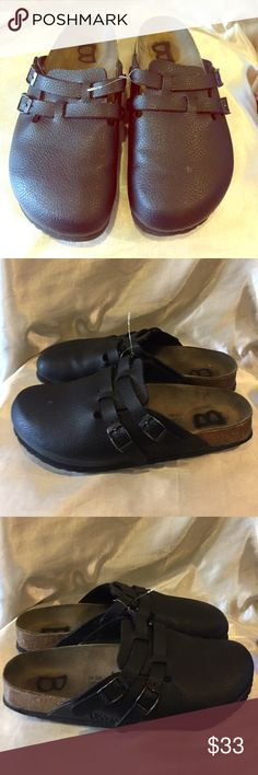 Birkenstock Black Leather sandal Size 9/39 Birkenstock black leather sandal Size 39 / 9 please see pic shoe has been marked in sole with B please see pictures Birkenstock Shoes Mules & Clogs