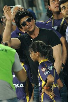 Indian Bollywood actor and team owner Kolkata Knight Riders Shah Rukh Khan arrives during the IPL Twenty20 cricket match between Delhi Daredevils and Kolkata Knight Riders at the Feroz Shah Kotla stadium in New Delhi on May 7, 2012.