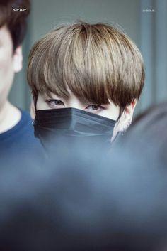•161028 #BTS Arriving at Music Bank     #BloodSweatTears   #Jungkook