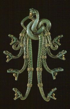 SERPENTS PECTORAL, René Lalique, 1899, Gold and enamel, from the Gulbenkian Collection.