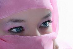 Pink (Reografie) Tags: portrait woman girl studio model eyes veiled veil headscarf hijab melissa lovely niqab portret studioportrait beautifull spijkenisse hoofddoek studiolights exellentphotos nibbie reografie