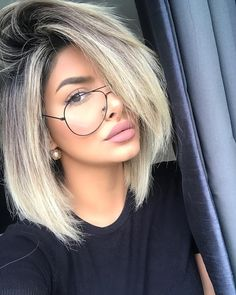 На данном изображении может находиться: 1 человек Blonde Ombre Short Hair, Brown To Blonde Ombre, Ombre Hair, Simple Eye Makeup, Love Hair, Great Hair, Latest Hair Trends, Straight Hairstyles, Pretty Hairstyles