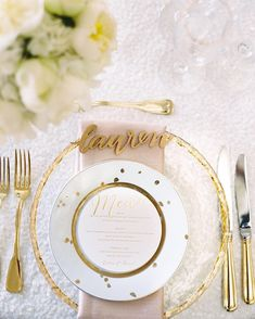 Laser cut place cards & round menus on gold polka dishes? Check! Love this look from a wedding designed by @laurynprattes with menu by @winifredpaper, blooms by @edgefloralevents & pic by @abbyjiu {laser cuts via link in profile} #tablescapetuesday