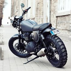 High-end builder Renard Motorcycles delivers the motorcycling equivalent of a stealth bomber. Is this Estonian-built Triumph the ultimate Bonneville T100 custom?