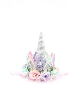 Unicorn flower lace crown headband silver by lovecrushcrowns 2 Birthday, Unicorn Birthday Parties, Diy Unicorn Party, Birthday Ideas, Silver Headband, Crown Headband, Diy Unicorn Headband, Unicorn Hat, Unicorn Costume