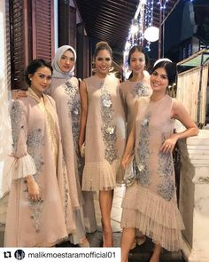 Bridesmaid dress idea is part of Dress pesta - Gaun Dress, Dress Brukat, Hijab Dress Party, Kebaya Dress, Dress Pesta, Organza Dress, Batik Dress, Kebaya Lace, Batik Fashion