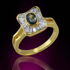 Natural Alexandrite in 18K Yellow Gold with Diamond