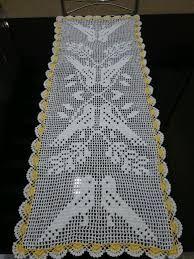 Tecido em crochê com barbante branco. Adiciona muito charme e elegância na decoração ! Tempo para produzir sob encomenda: 20 dias.