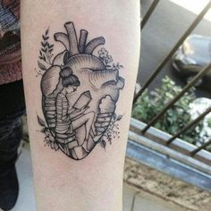 Inspirações de tatoo coração - Minhas pequenas coisas Time Tattoos, Music Tattoos, Body Art Tattoos, New Tattoos, Tattoos For Guys, Tattoos For Women, Sleeve Tattoos, Tatoos, Brain Tattoo