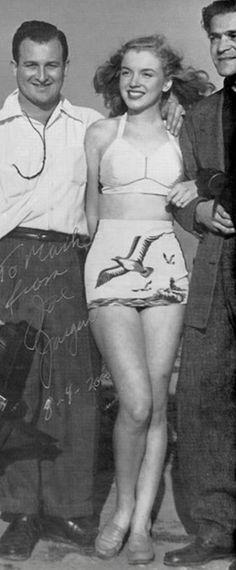 Norma Jeane with photographer Joseph Jasgur, 1946.