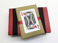 Lila & Sirena: DIY | King of Hearts Gift Wrap