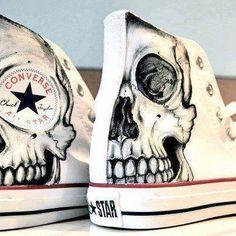 Skull Converse All Star Converse All Star, Converse Sneakers, Vans Shoes, Diy Converse, Hightop Shoes, Footwear Shoes, Converse High, Shoes Sandals, Kleidung Design