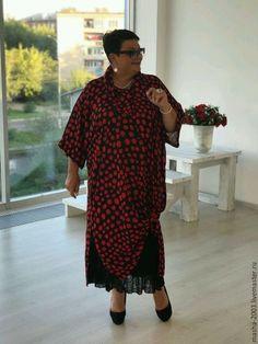 Купить или заказать Платье-туника в интернет-магазине на Ярмарке Мастеров. Шикарное платье-туника из натурального шелка. Невероятно красивое. Подъюбник в комплект не входит, используется как аксессуар. Платье в одном размере с 52 по 66. Смотрится одинаково классно на разных объёмах. Цена 8000 руб.