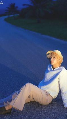 Read 🌺Sesion de Fotos🌺- BTS from the story Un Chico Desesperado -Jungkook y Tu- [Terminada] by ( Bts Taehyung, Kim Namjoon, Bts Bangtan Boy, Bts Boys, Taehyung Fanart, Jimin Jungkook, Daegu, Foto Bts, Bts Photo
