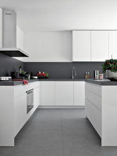 - Elmar kitchen furniture family Elmar kitchen furniture f - Luxury Kitchen Design, Kitchen Room Design, Kitchen Cabinet Design, Interior Design Kitchen, Kitchen Layout, Kitchen Designs, White Kitchen Decor, Home Decor Kitchen, Kitchen Furniture
