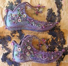 Other galleries: Pixie Boots Workshops Fairy Shoes x… Fairy Clothes, Doll Clothes, Elfen Fantasy, Fairy Shoes, Elf Shoes, Textiles, Fairy Dress, Fantasy Costumes, Shoe Art