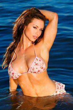 Gabrielle Resnick - Fitness Model http://femalefitnessfigurebodybuilders.blogspot.com/2007/12/gabrielle-resnick.html