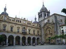 Guipuzcoa Hernani - Plaza de los Gudaris. Iglesia de San Juan Bautista y Casa Consistorial.