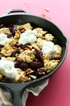 AMAZING Vegan Gluten Free Blackberry Cobbler! Naturally sweetened fruit and tender crumbly biscuit topping! SO perfect for spring and summer #minimalistbaker #vegan #glutenfree #dessert