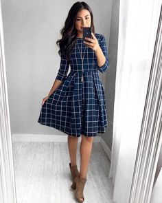 Alice Grid Dress – In der Marine - Kleider Mode