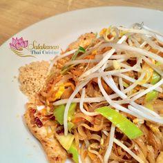 Original PAD THAI SALAKANAN Thai Restaurant, Thai Recipes, Japchae, Spaghetti, Menu, Food, Home Made, Foods, Menu Board Design