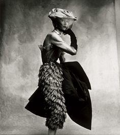 Cocoa Dress (#Balenciaga), Paris Vogue, September 1950 Photographer: Irving Penn Model: Lisa Fonssagrives-Penn