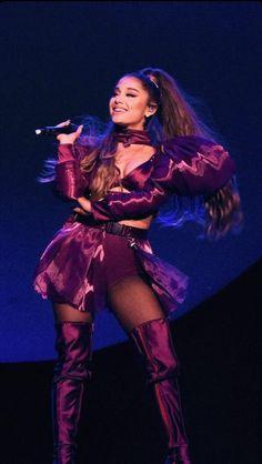 ariana grande Lollapalooza wallpaper Ariana Grande Outfits, Ariana Grande Pictures, Ariana Grande Sweetener, Ariana Grande Dangerous Woman, Ariana Grande Wallpaper, Bae, Influencer, Celebrity Wallpapers, Lollapalooza