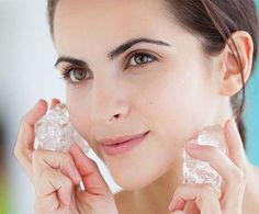 Pimples return at the worst time. To keep your skin free from such unpleasant surprises, we have brought you simple homemade beauty tips for pimples. Top 10 Beauty Tips, Beauty Secrets, Beauty Hacks, Beauty Care, Jacqueline Fernandez, Face Care Tips, Face Tips, Face Massage, Trend Fashion