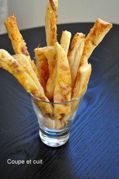 Flûtes feuilletées au lard et au parmesan