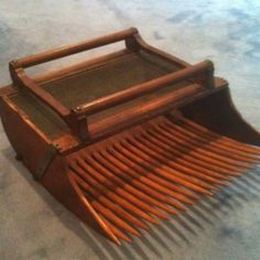 loooooooove!! absolutely nicest vintage cranberry rake i've ever seen!! double handles on top!! Original tines!! Fab decoration for Christmas country motif!! 19.5 in wide x 9 in deep x 21.5 in long
