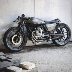 "3,617 Likes, 12 Comments - Cafe Racers | Customs | Bikes (@kaferacers) on Instagram: ""Loving this beauty from Relic Motorcycles. Moto Guzzi V50 #kaferacers ------- Would you ride…"""