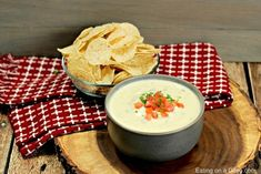 This is the Best Mexican White Cheese Dip recipe. An Authentic queso dip that tastes just like the Mexican Restaurant white sauce. Your entire family is going to love this queso blanco. Crockpot White Chicken Chili, Chicken Taco Recipes, White Cheese Sauce, White Sauce, Salsa Verde, Mexican Dishes, Mexican Food Recipes, Filipino Recipes, Sauces