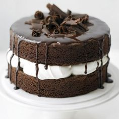 Try our easy sponge cake recipe for a basic chocolate sponge cake. Make this moist chocolate cake recipe from scratch for the best chocolate cake. Also includes 3 flavour change combinations including White chocolate and Raspberry, Chocolate Orange. Easy Sponge Cake Recipe, Sponge Cake Recipes, Food Cakes, Cupcake Cakes, Cupcakes, Bolo Do Mario, Tortas Light, Bolos Naked Cake, Mousse Au Chocolat Torte