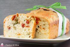 Pane allo Stracchino e Pomodori Secchi. #ricetta di @pasticcialice