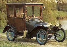 From the beginning, the Peugeot was developed as a small-bodied, popular car in . Retro Cars, Vintage Cars, Antique Cars, Classic Motors, Classic Cars, Peugeot France, Psa Peugeot Citroen, Automobile, Futuristic Cars