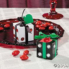 Roll The Dice Gift Boxes..super easy to make.  Great for door prizes or raffle items.