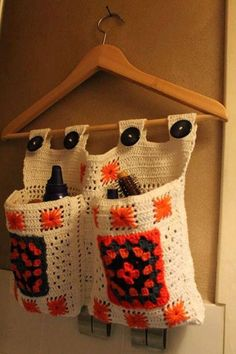 ideas for crochet ponchos Granny Square Crochet Pattern, Crochet Motif, Crochet Designs, Crochet Stitches, Crochet Patterns, Crochet Wool, Love Crochet, Crochet Gifts, Crochet Wall Hangings