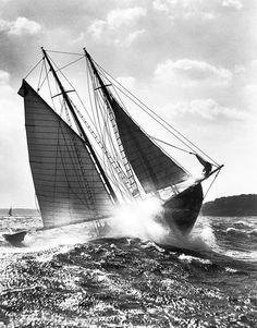 sailing I am sailng