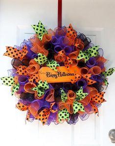 Halloween Deco Mesh, Halloween Crafts, Halloween Wreaths, Halloween Decorations, Halloween Ideas, Holiday Decorations, Happy Halloween, Holiday Door Wreaths, Winter Wreaths