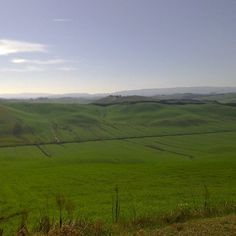 #upanddownthechianti #natureguide #walkingguide #professional #beauty #igerssiena #tuscany #siena #goodlife #health #goodmorning #landscape #volgosiena #mountainbiking #biking #dante #enjoy #amazing #biketour #love #light Would you believe that these are the famous Crete  Senesi? Of course before their typical  change in lunar landscape.