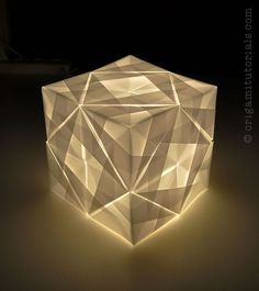 17 best ideas about Origami Lamp on Pinterest | Paper lamps, Paper ...