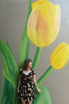 Montclair Center, Montclair, NJ is home to a new yellow tulip mural on Bloomfield Avenue in Montclair. Local New Jersey blogger Jen Jeffery celebrates her love for the Garden State by showcasing some of New Jersey's best wall murals and wall art.
