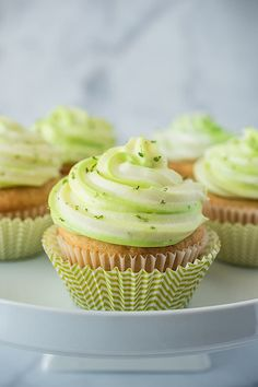 Key lime cupcakes taste like key lime pie. With key lime juice and zest in the light and fluffy cupcakes and cream cheese frosting. Key Lime Cupcakes, Green Cupcakes, Fun Cupcakes, Cupcake Cakes, Fluffy Cupcakes, Cup Cakes, Cupcake Recipes, Snack Recipes, Dessert Recipes