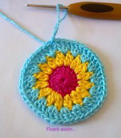 Hiboux colorés , pas à pas en images ! Easy Crochet Patterns, Crochet Stitches, Cross Stitch Patterns, Knit Crochet, Crochet Hats, Mandala Au Crochet, Crochet Turtle, Baby Sweaters, Diy And Crafts
